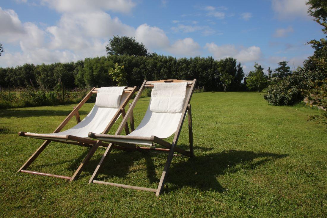 Foto buiten strandstoelen